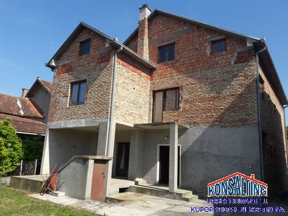 Kuća 364m² Stara Pazova
