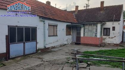 Poslovni prostor 900m² Stara Pazova