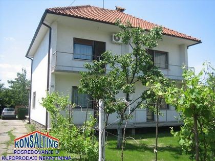 Kuća 404m² Nova Pazova